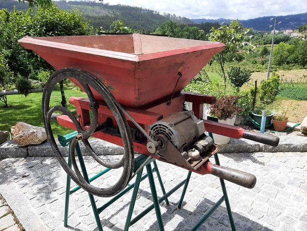 Triturador de Uvas