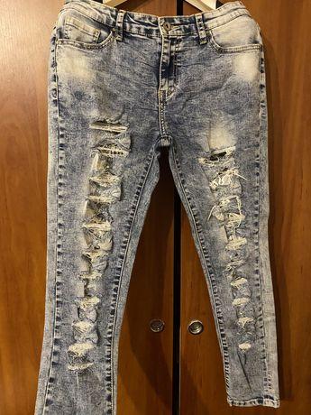 Жіночі джинси з мережевом