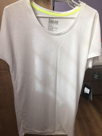 Nowa koszulka Nike rozmiar s/m boyfriend