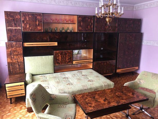 Meble kalwaryjskie zestaw mebloscianka łóżkiem , stolik z fotelami