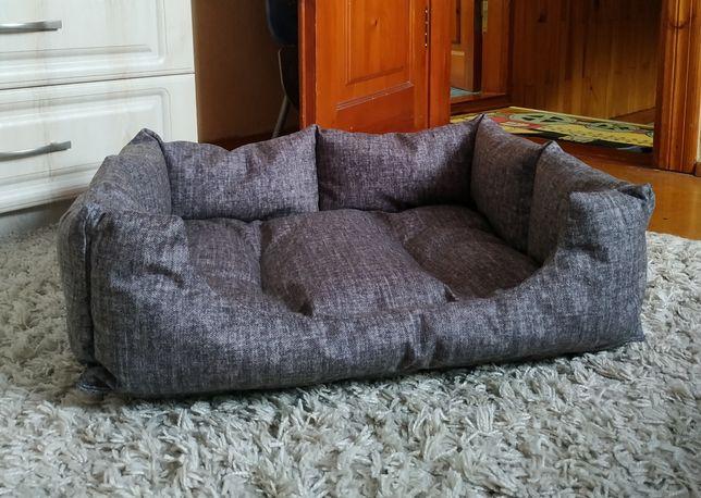 Лежак, лежанка, диван для собак та котів.