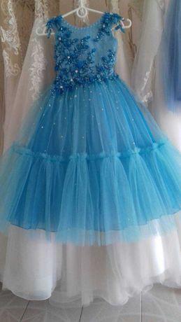 Нарядное НОВОЕ Праздничное платье на ВЫПУСКНОЙ для девочки 6-7 лет