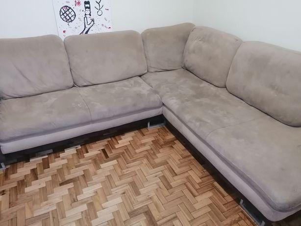 Sofá com chaise long