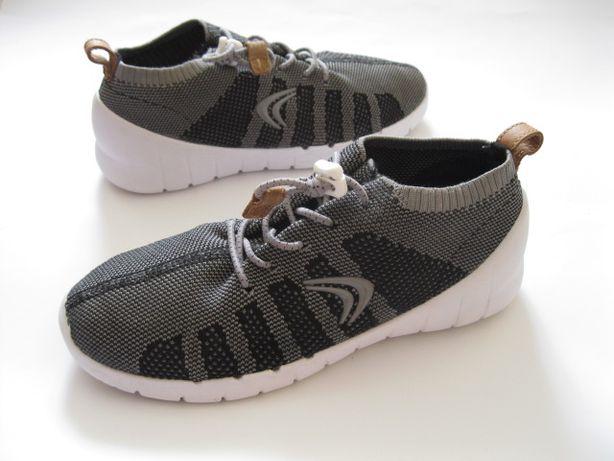Фирменные кроссовки Clarks 34 размер