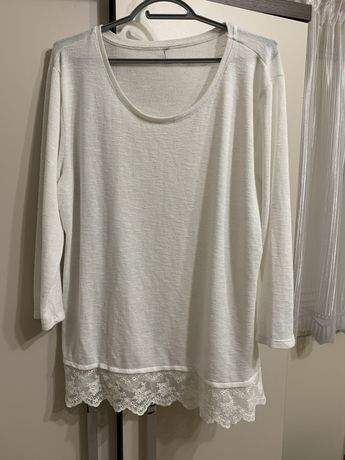 biały sweterek z wzorem na dole roz. L/XL