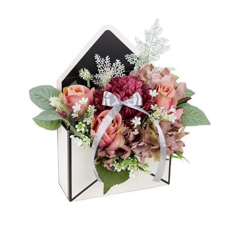 BUKIET w czarnej KOPERCIE elegancki na prezent MIX kwiatów Dzień Babci