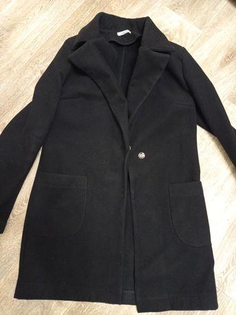 Пальто чёрное на осень
