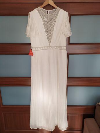 Nowa długa suknia ślubna bogato zdobiona