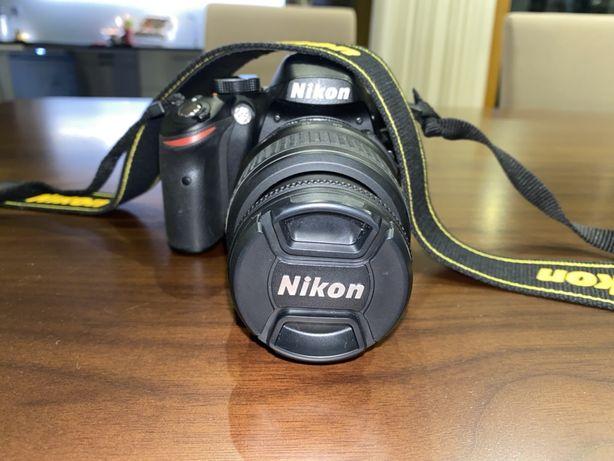 Nikom 3200D + lente 18-55 mm + acessórios