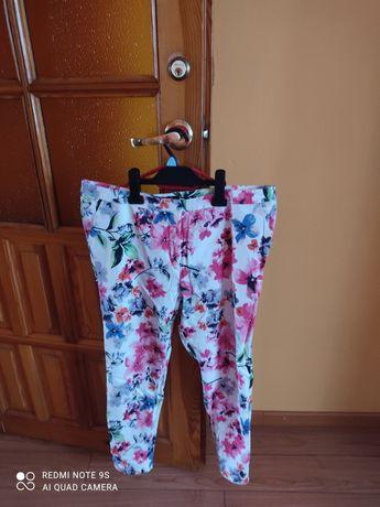 Spodnie roz 44 kwiaty