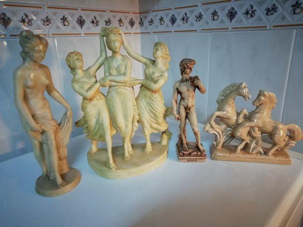 Estátuas pequena Antigas em Loiça