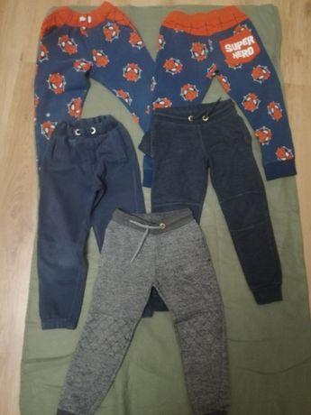 Spodnie dresowe  110 - 116
