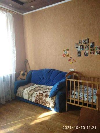 Продам 2 к. квартиру в кирпичном доме гостинного типа