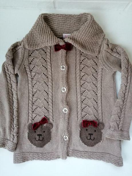 Sliczny stylowy sweterek
