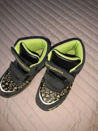 Стильні, зручні черевички.