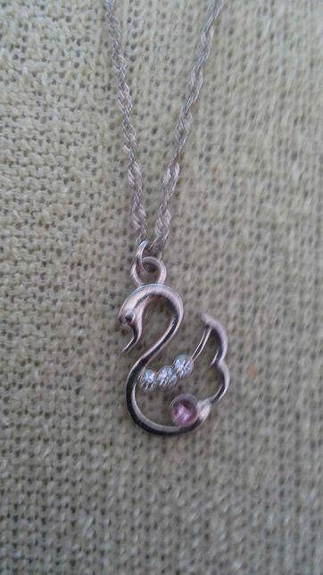 Naszyjnik srebrny z pięknym łabędziem