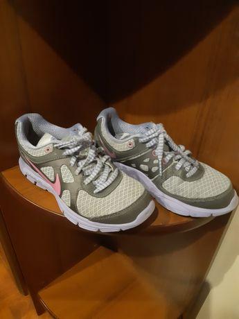 Buty Nike rozm. 35, 22,5 cm