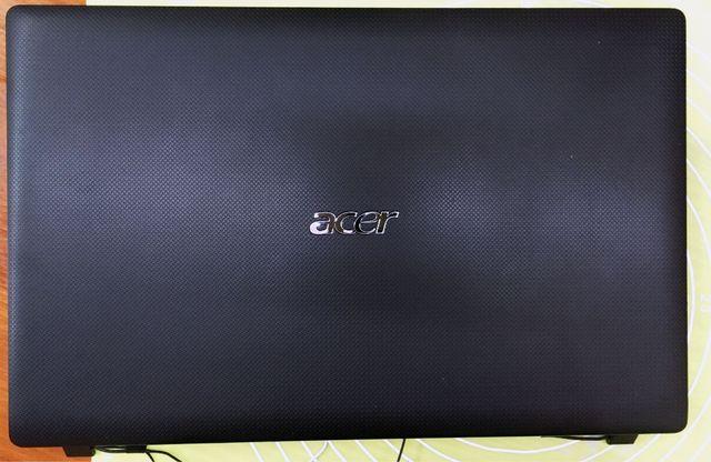 Крышка матрицы Acer 5552   В отличном состоянии