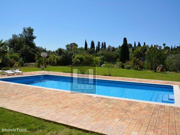 Excelente Moradia T5 e 2x casas T2, grande piscina 12mx6m