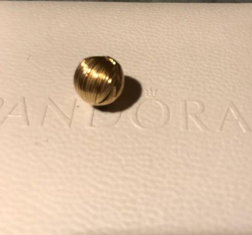 Klips Pandora- złote ziarna stylu