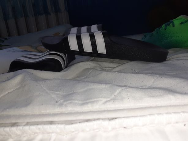 Buty korki do gry w piłkę nożną Klapki Adidas