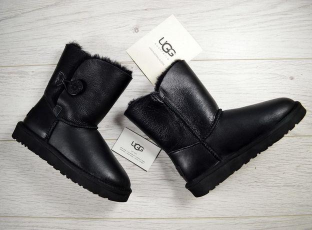 Угги кожаные с пуговицей UGG Bailey Button Black черные женские