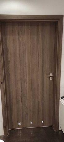 drzwi wewnętrzne 90 z klamkami i futrynami 4 szt. cena za komplet