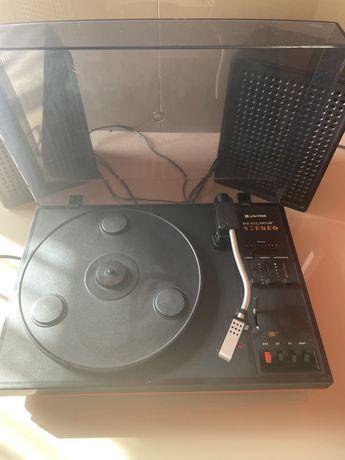 Gramofon UNITRA WG 902 ARTUR z głośnikami