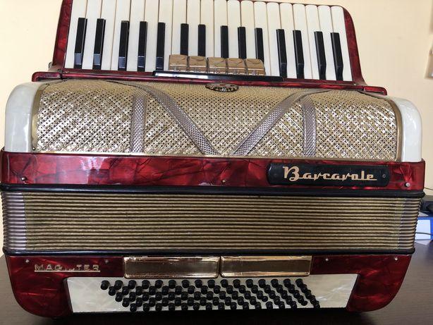 Bardzo ladny akordeon barcarola magister 80 b