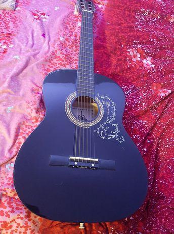 Sprzedam gitarę akustyczną