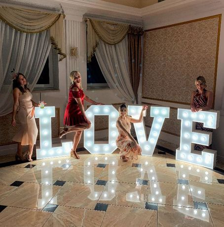 Napis LOVE na wesele, ślub, sesję plenerową, podświetlany