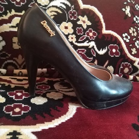 Туфлі одівалися пару раз