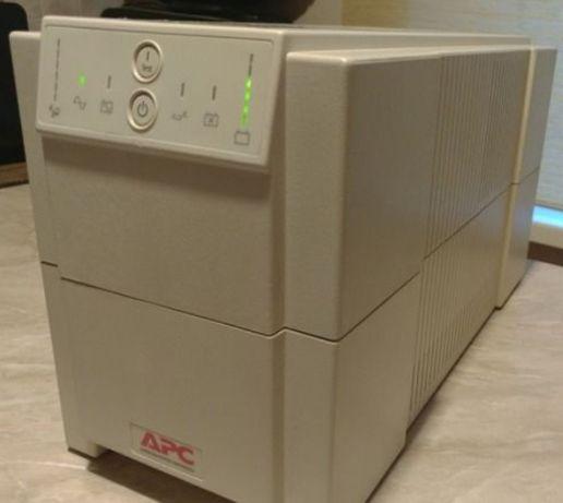 бесперебойничек APC Smart-UPS 1250 va 900 w