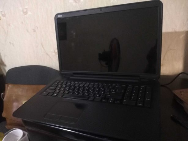 Ноутбук Dell Inspiron 17 /Pentium 2x1.9 GHz/8Gb RAM/ 120 SSD Kingston