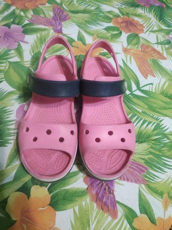 Продам крокси сандалі на дівчинку