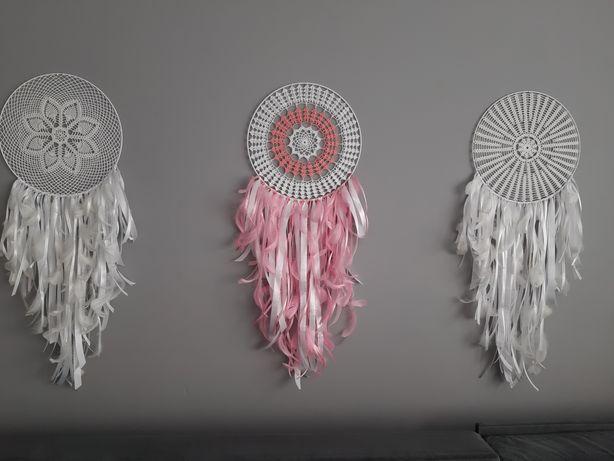 Łapacz snów na szydełku jako dekoracja weselna