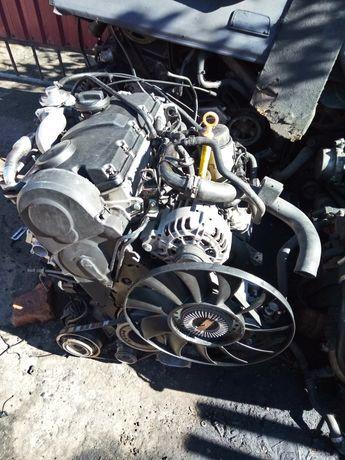 Двигатель Ауди Фольксваген 1.9 тди ANF . Насос форсунка.