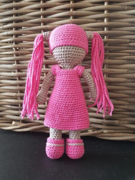 szydełkowa lalka amigurumi
