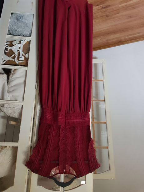 Bordowa burgund koronkowa maxi zwiewna zabudowana rozciecie lou koronk