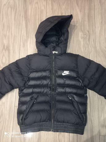 Kurtka Nike rozmiar 122