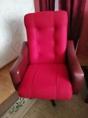 Fotel obrotowy. Używany