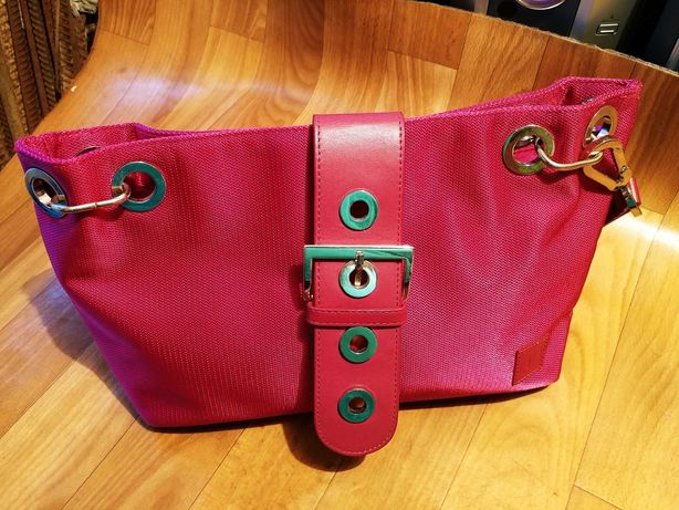 Женские сумочки интересного дизайна с кожаными вставками недорого
