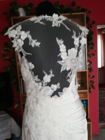 Suknia ślubna ecru, piękne plecy