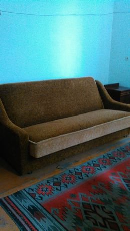 Новый диван для бытовых нужд