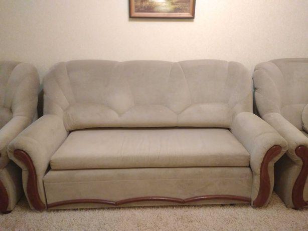 Продам диван и 2 кресла