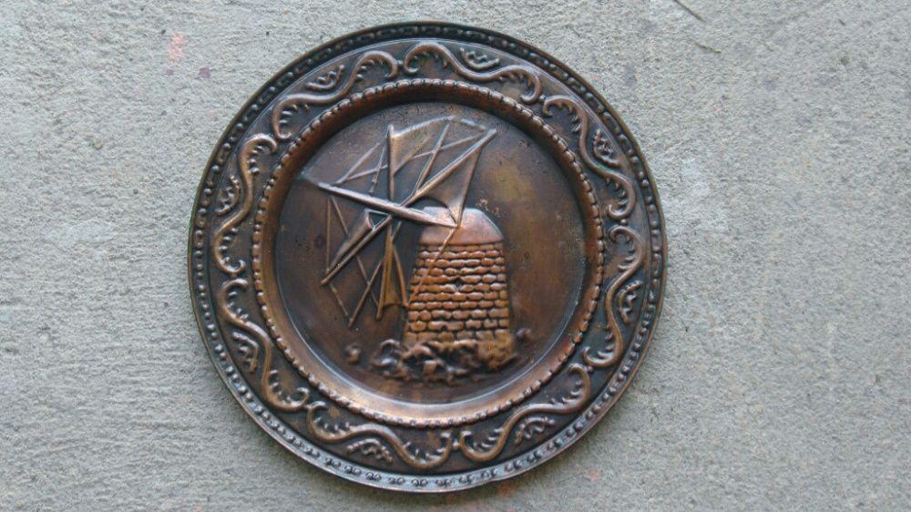 Prato decorativo em latão Valença, Cristelo Covo E Arão - imagem 1