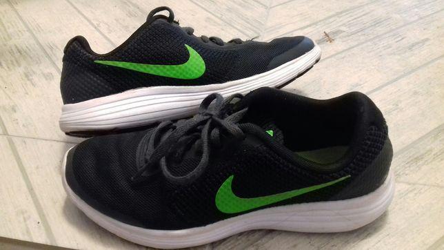 Nike Revolution 38 jak nowe dla chłopca