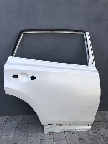 Toyota Rav 4 дверь задняя  тойота запчастини