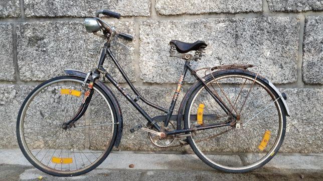 Bicicleta pasteleira Yêyê