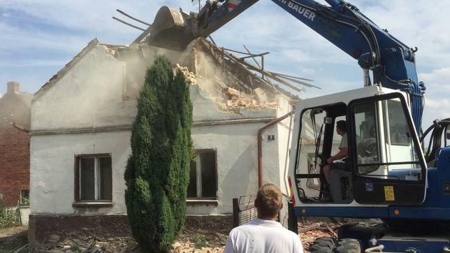 Wyburzenia budynków rozbiórki usługi koparka ładowarka wywóz gruzu